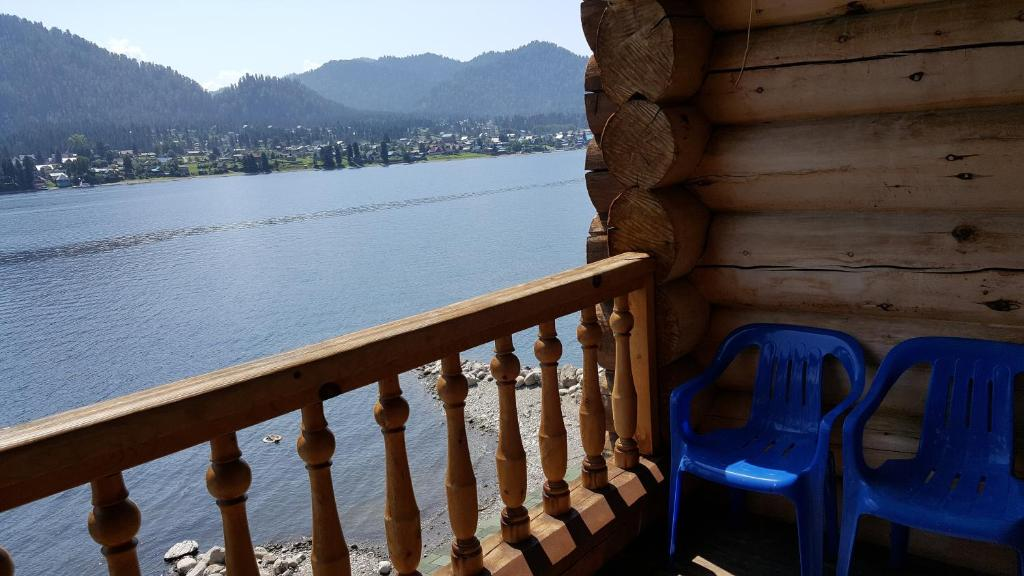 A balcony or terrace at Guest house Aru-Kiol'