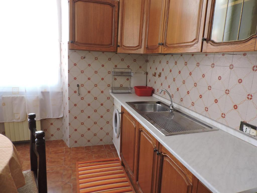 A kitchen or kitchenette at Casa Flora