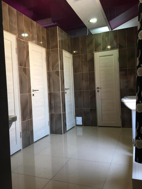 A bathroom at Hostel TIZORY