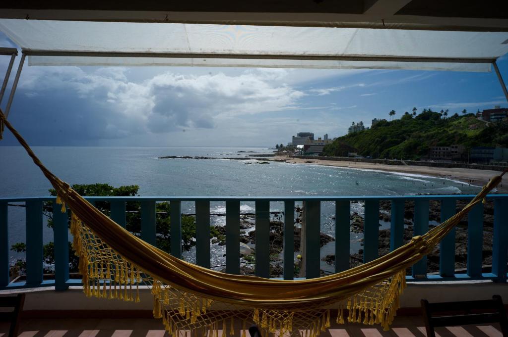 A balcony or terrace at Hostel Pedra da Sereia