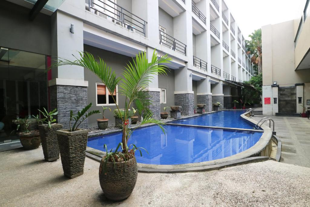 The swimming pool at or close to Grand Lifestyle Hotel