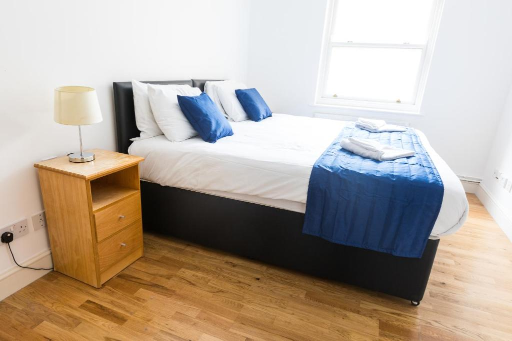 Earls Court Apartment