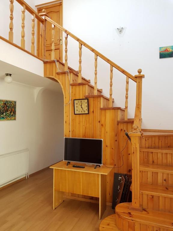 Tsitsia and Stepan Guest House