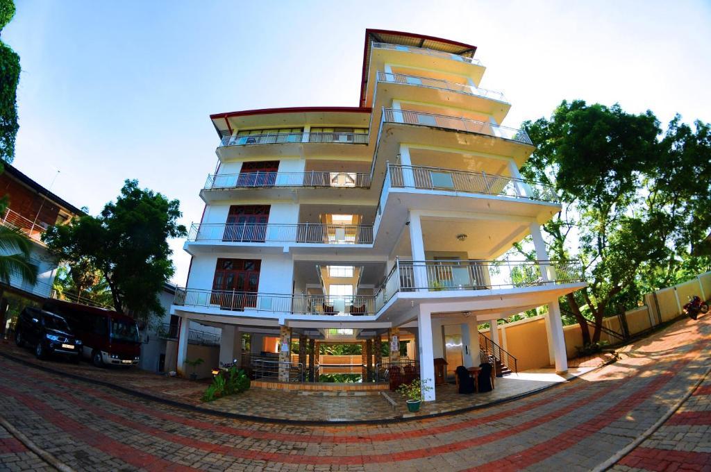 Happy Leoni Hotel, Mihintale, Sri Lanka - Booking com