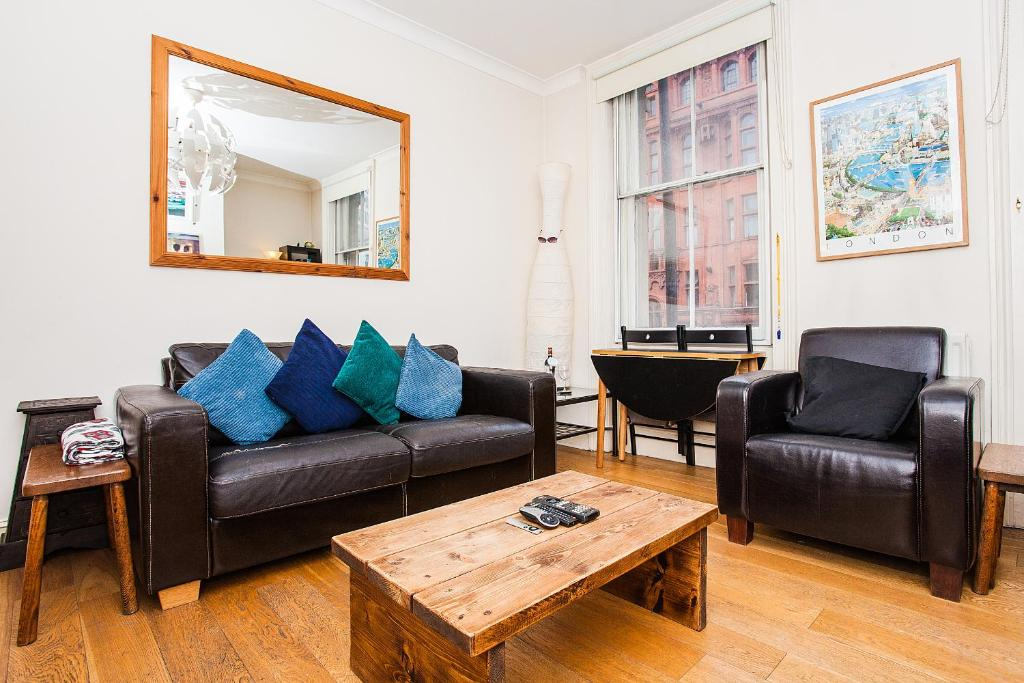 A seating area at Amazing Central Shoreditch 2-Bed & 2-Bath