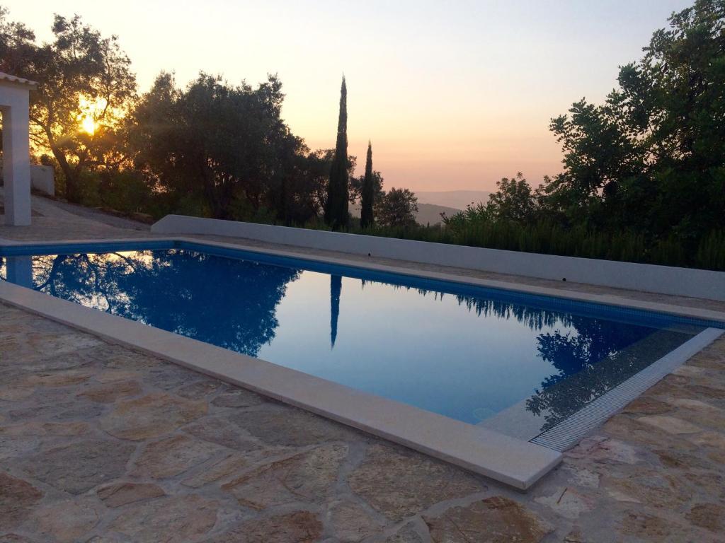 The swimming pool at or close to B&B Casa Encantada