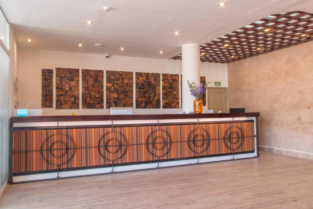 El vestíbulo o zona de recepción de Wayqey Hotel
