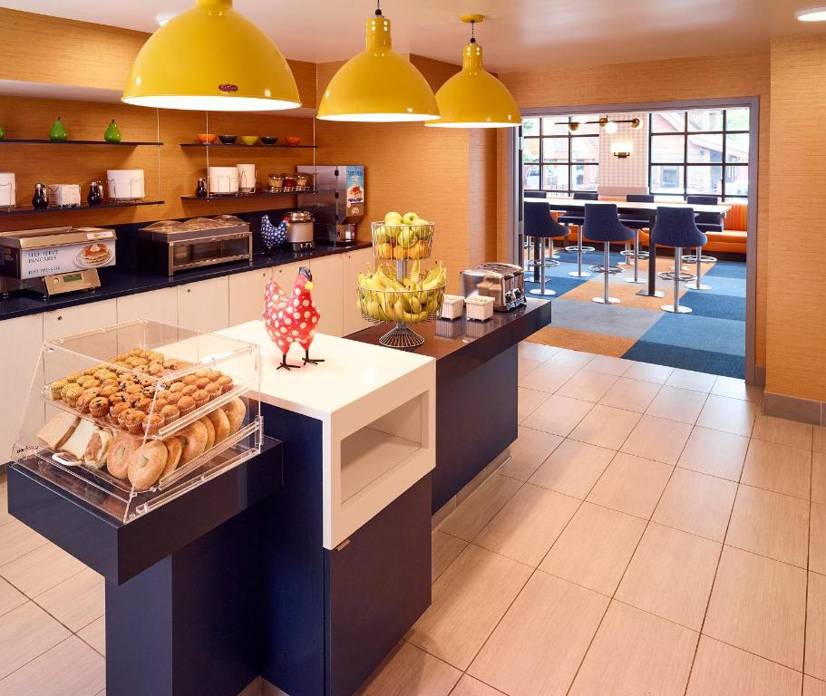 Surprising Livinn Minneapolis Burnsville Mn Booking Com Download Free Architecture Designs Oxytwazosbritishbridgeorg