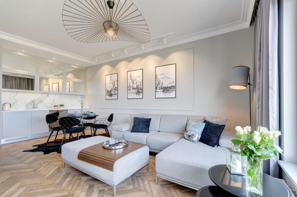 A seating area at Motlawa Premium Apartment