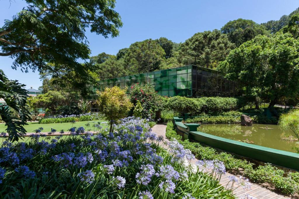 En hage utenfor Unique Garden