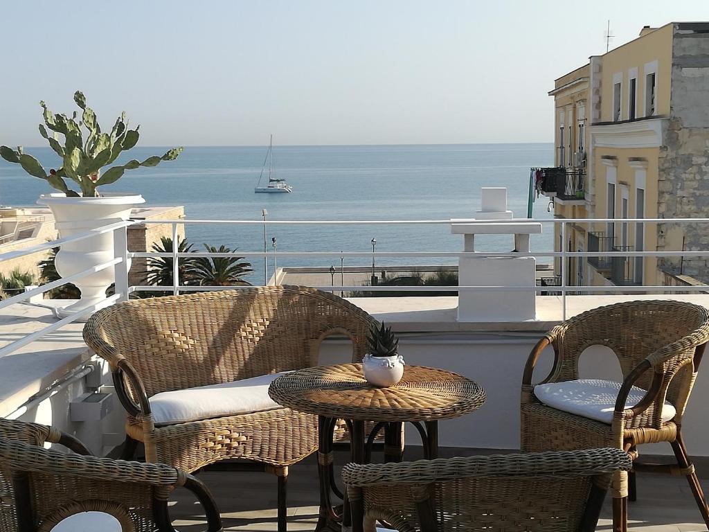 A balcony or terrace at Muragie del Castello B&B