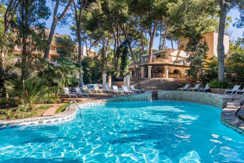 Het zwembad bij of vlak bij Lago Garden Apart-Suites & Spa Hotel