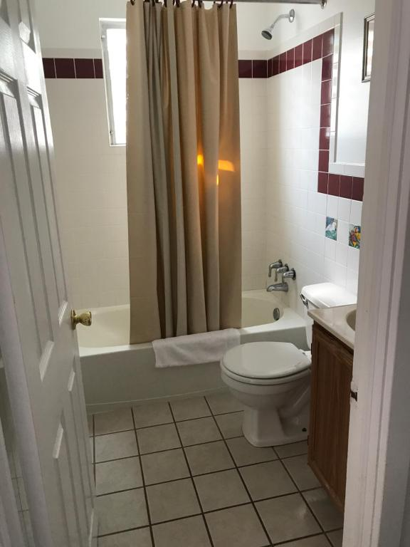 Rambler Motel & Apartments, Wildwood Crest, NJ - Booking.com on log home bathroom designs, french country bathroom designs, split level bathroom designs, farm house bathroom designs, transitional bathroom designs,