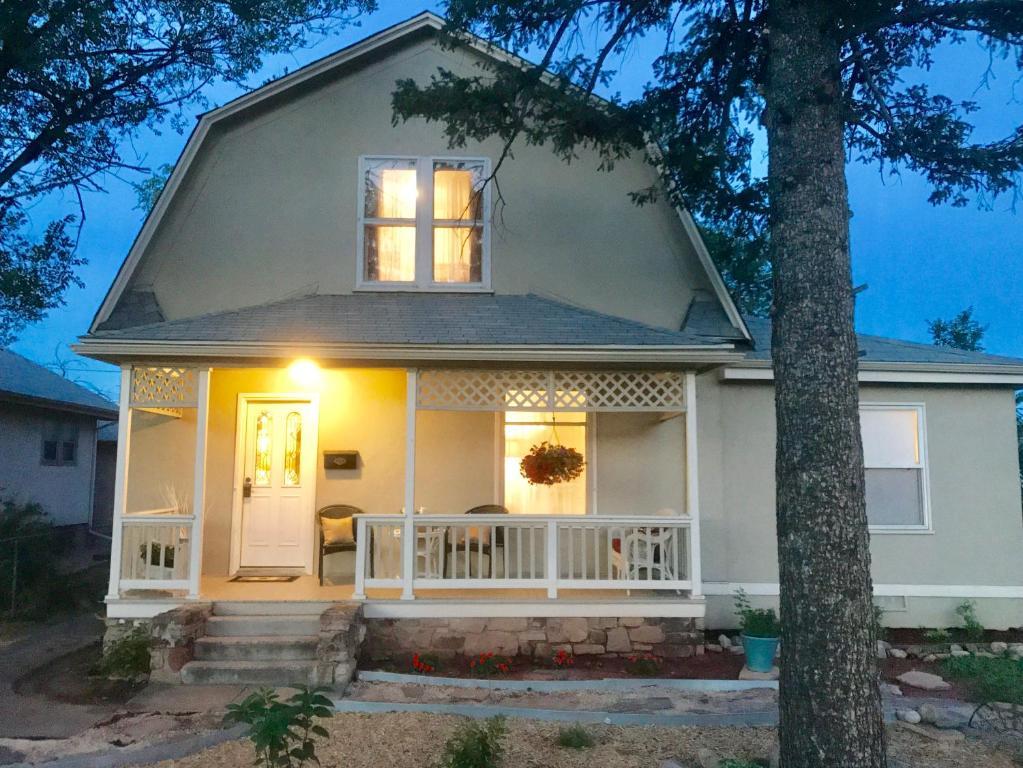Neva Inn At Penrose Colorado Springs Co Booking Com