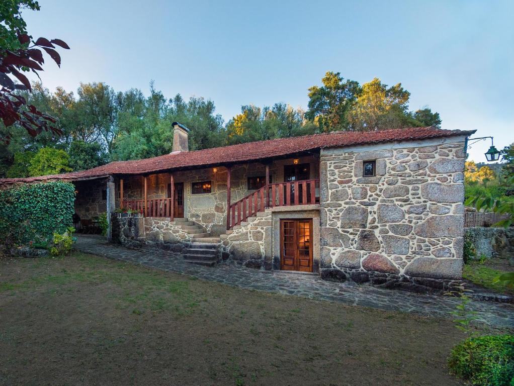 Alojamento de Turismo Rural Casas de Massinos (Portugal ...