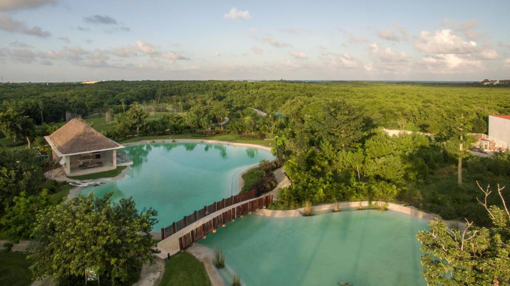A bird's-eye view of Platinum Yucatan Princess All Inclusive Suites & Spa Resort - Adults Only
