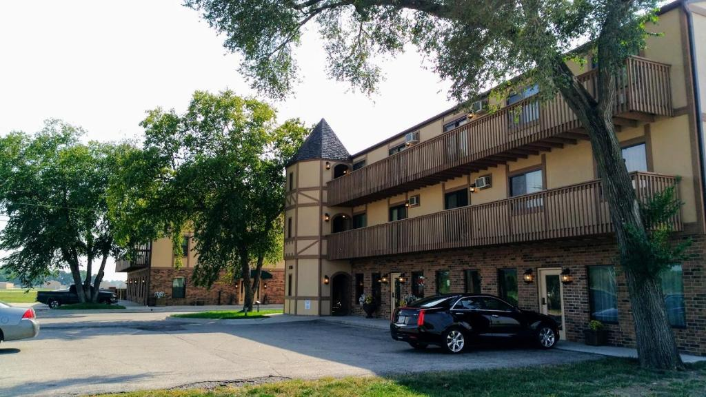 Astounding Alexis Park Inn Suites Iowa City Ia Booking Com Best Image Libraries Barepthycampuscom