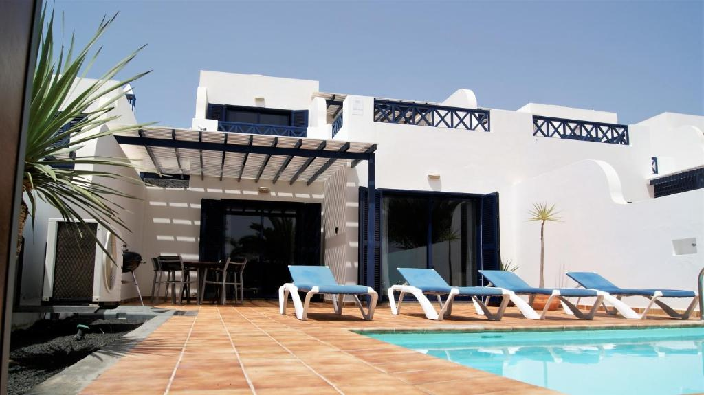 Villa Carioca, Playa Blanca, Spain - Booking.com