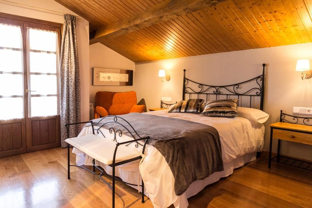 Casa de campo Cortea I y II (España Añézcar) - Booking.com