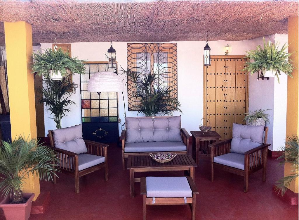 A seating area at Bed & Breakfast Naranjo