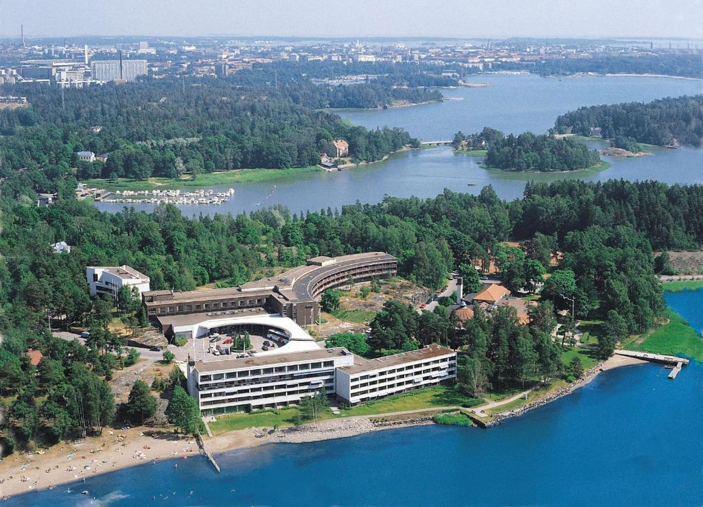 Vista aerea di Hilton Helsinki Kalastajatorppa