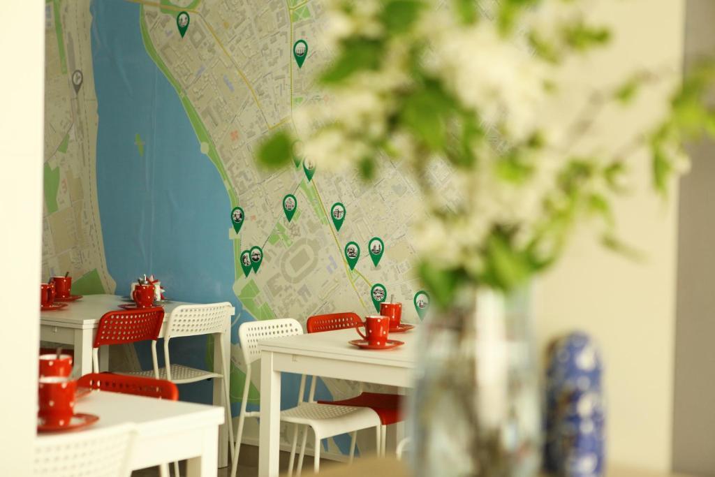 Ресторан / где поесть в Хостел Три Матрёшки