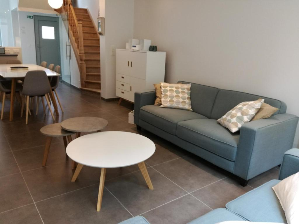 A seating area at The Front Door - Comfort