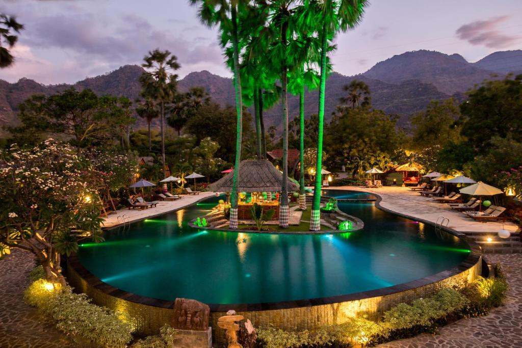 Bazén v ubytování Kinaara Resort & Spa Pemuteran Bali nebo v jeho okolí