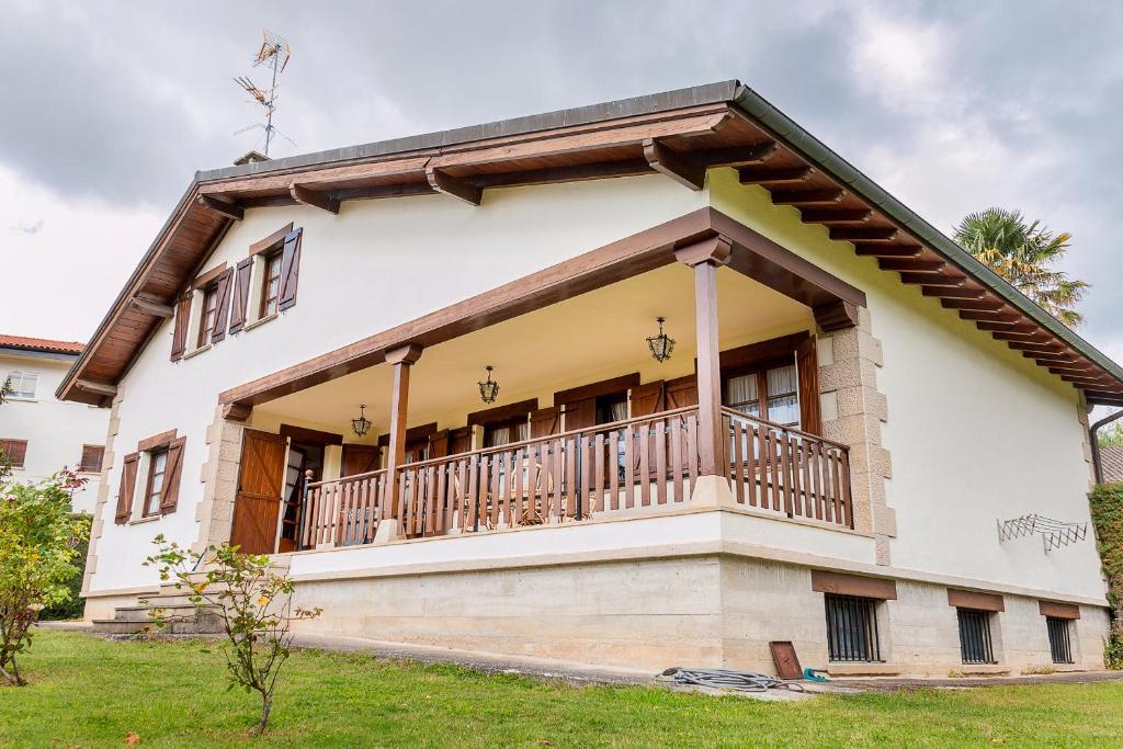 Casa de campo Vivienda Rural Casa Javier Lacunza (España ...
