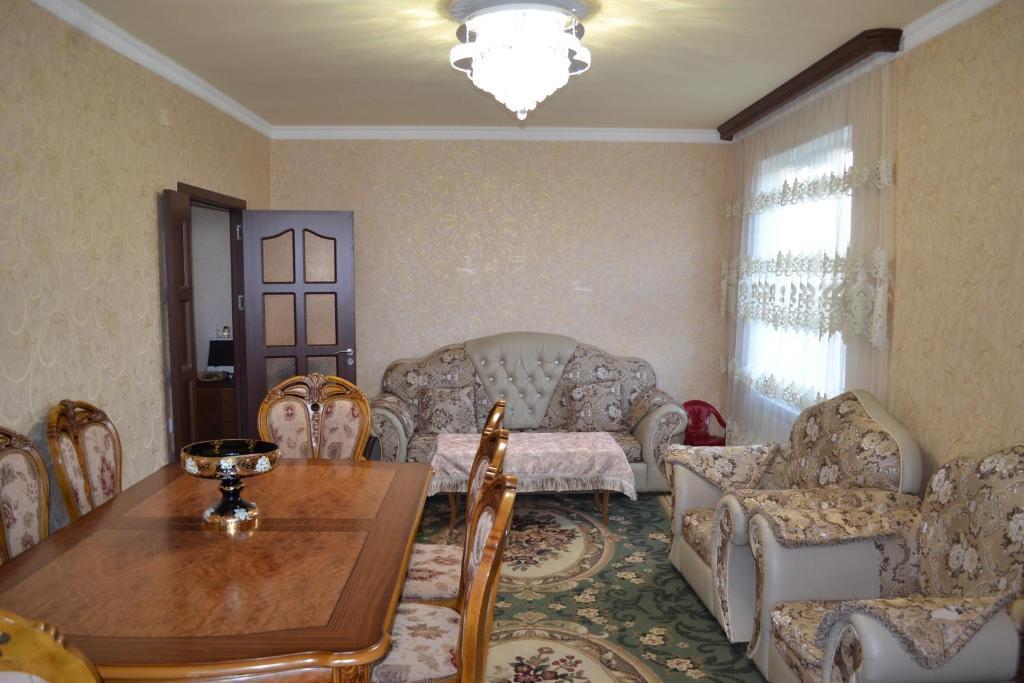 Coin salon dans l'établissement Vahan`s Apartment