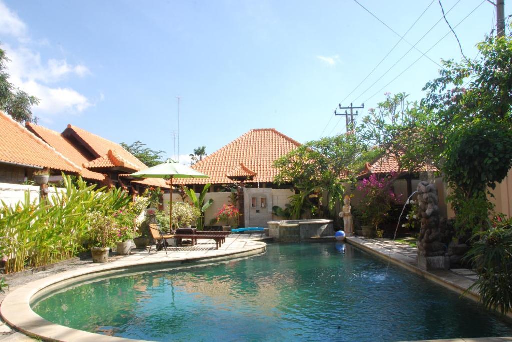 Piscine de l'établissement Wikarmas Villa Sanur ou située à proximité