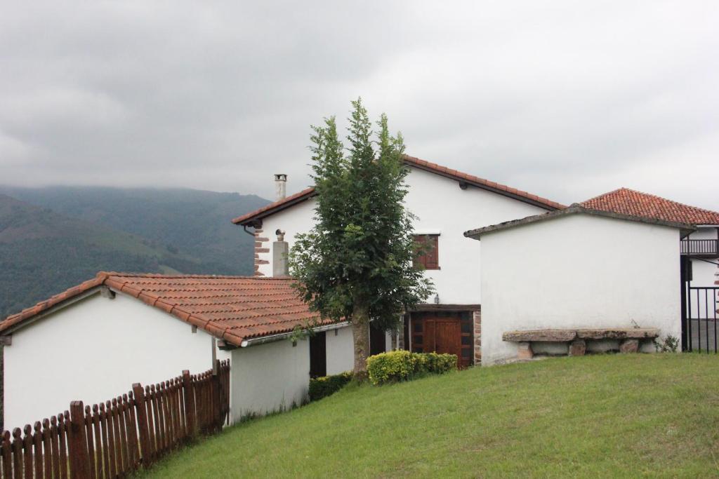 Casa Rural Perugorria Berria, Echalar – Precios actualizados ...