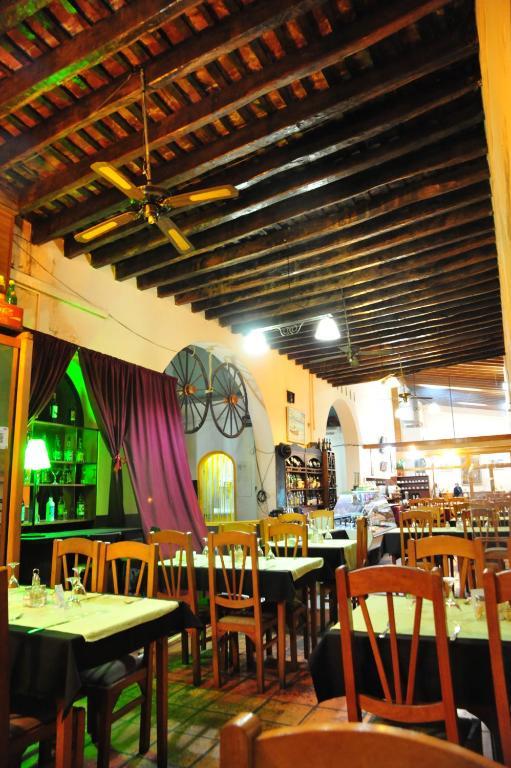Un restaurante o sitio para comer en Hotel Timabe