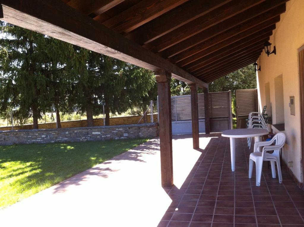 Vacation Home Los Abetos, Abay, Spain - Booking.com