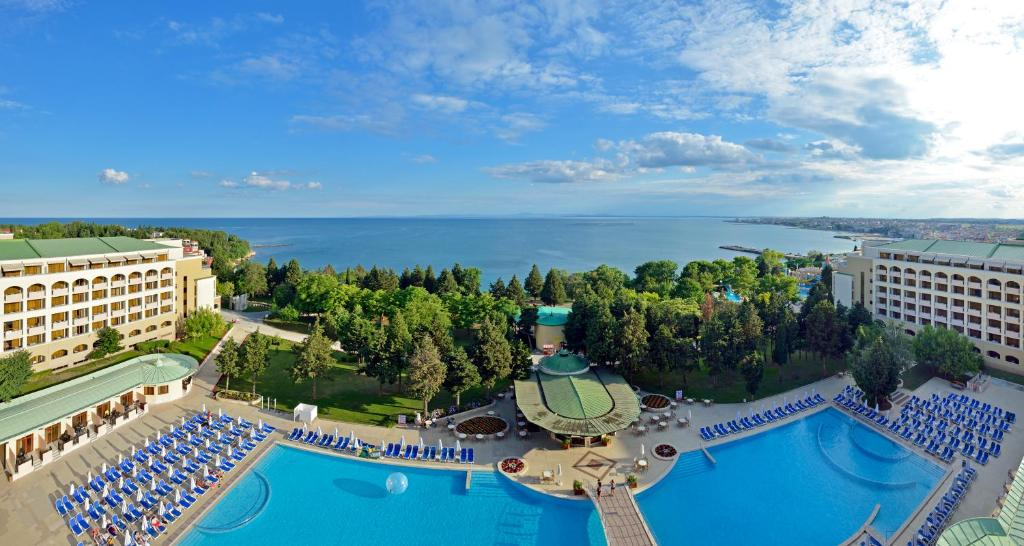 A view of the pool at Sol Nessebar Palace Resort & Aquapark - All inclusive or nearby