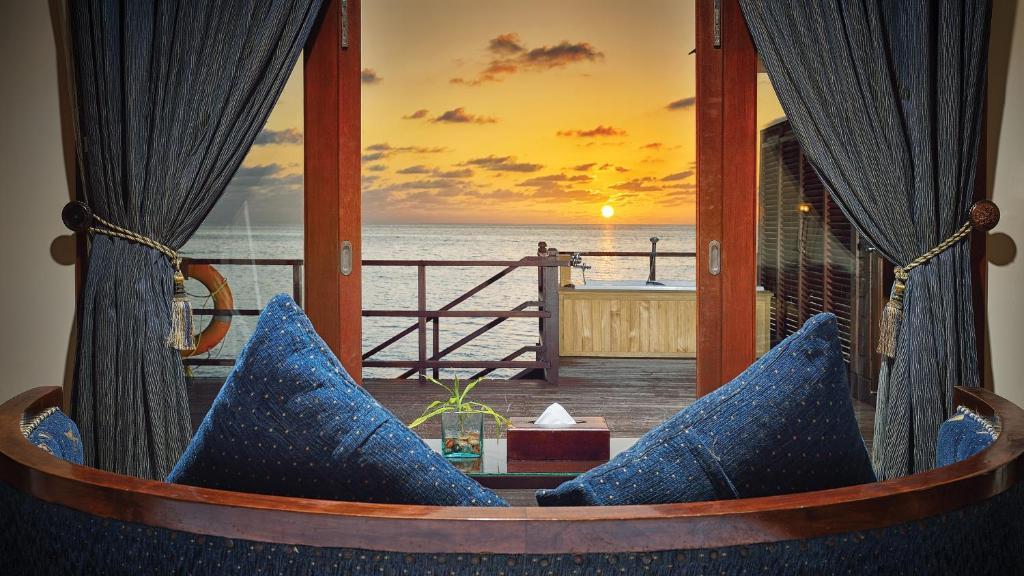 Resort Olhuveli Beach & Spa Maldives, South Male Atoll, Maldives ...