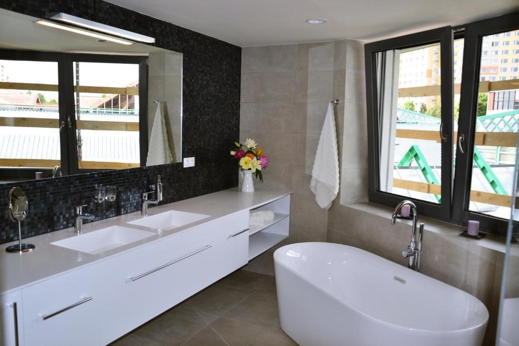 Ванная комната в Exclusive Apartments in Luka