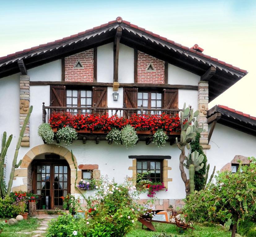 Casa Rural Iketxe (España Hondarribia) - Booking.com