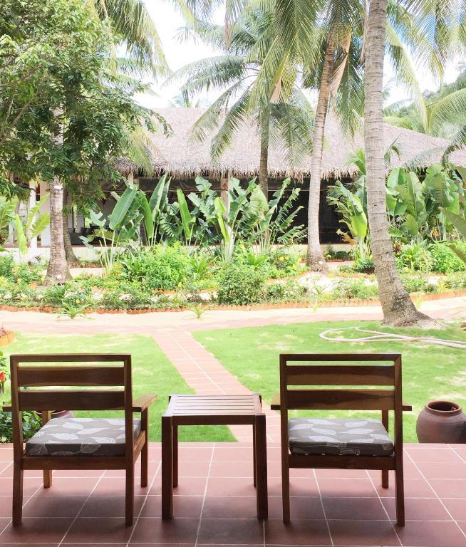 Phòng 3 Người Nhìn ra Vườn