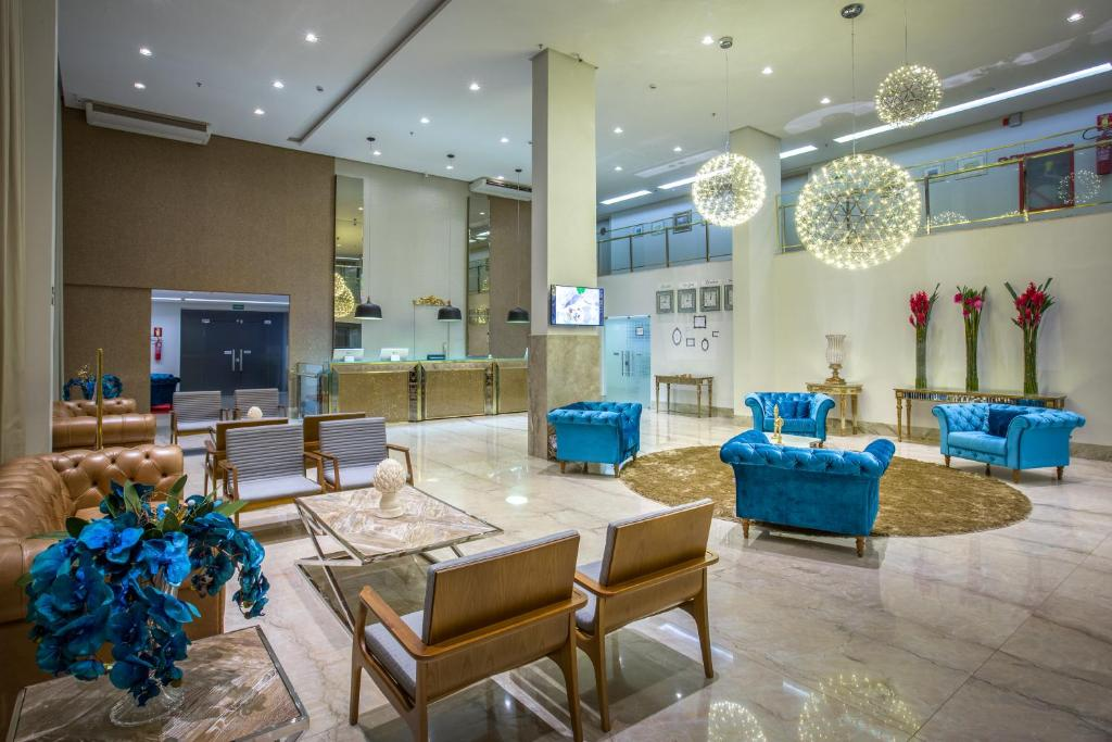 The lobby or reception area at Céu Palace Hotel