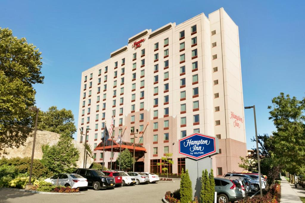 Hampton Inn Laguardia Airport Queens Ny Booking Com