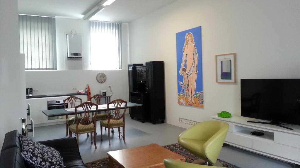 Art Apartment Winterhafen TV 또는 엔터테인먼트 센터