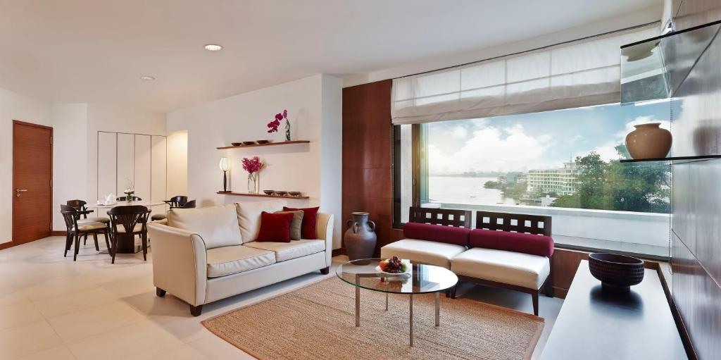 Suite Premier 1 Phòng Ngủ Kèm Dịch Vụ Dọn Phòng