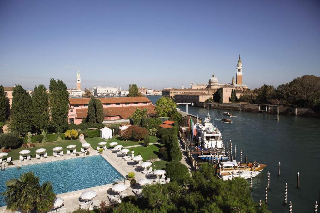 Vue sur la piscine de l'établissement Belmond Hotel Cipriani ou sur une piscine à proximité