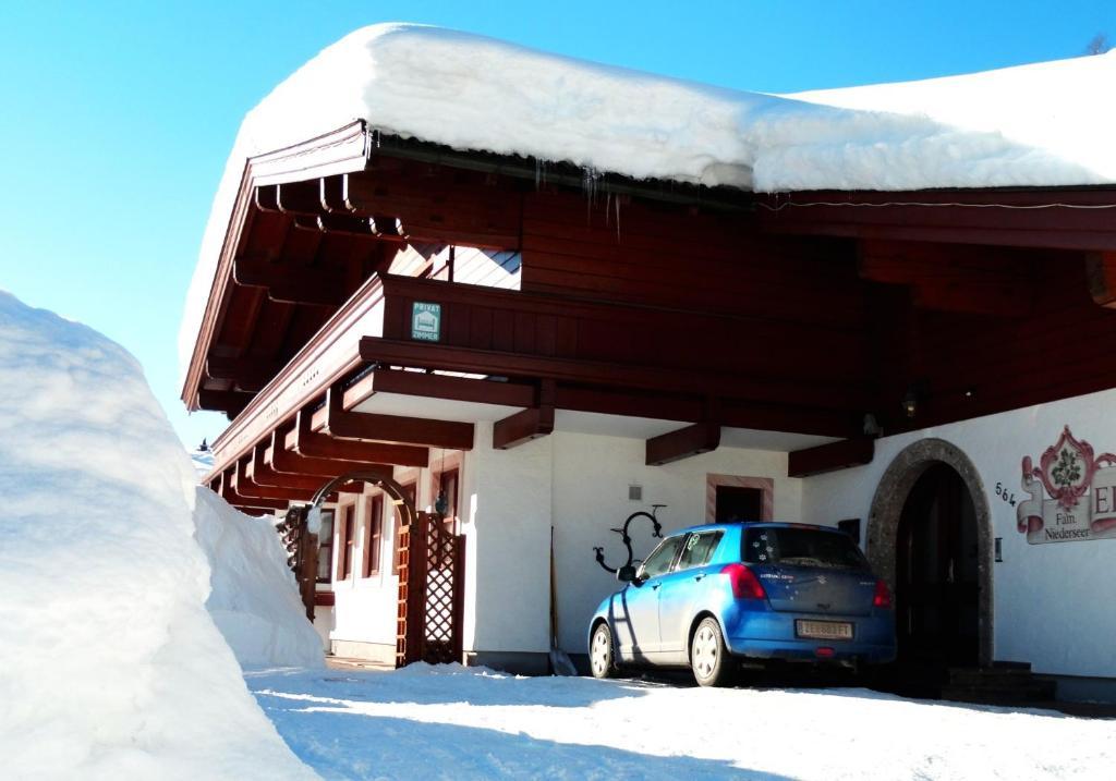 Landhaus Eichenhof talvella