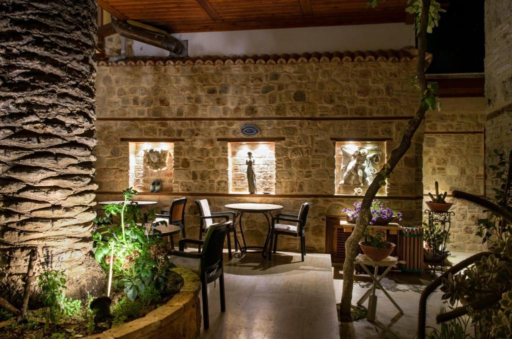 Ресторан / где поесть в White Garden Hotel