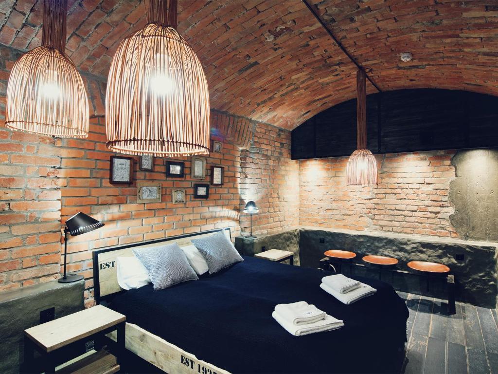 A seating area at Habitat Apartments