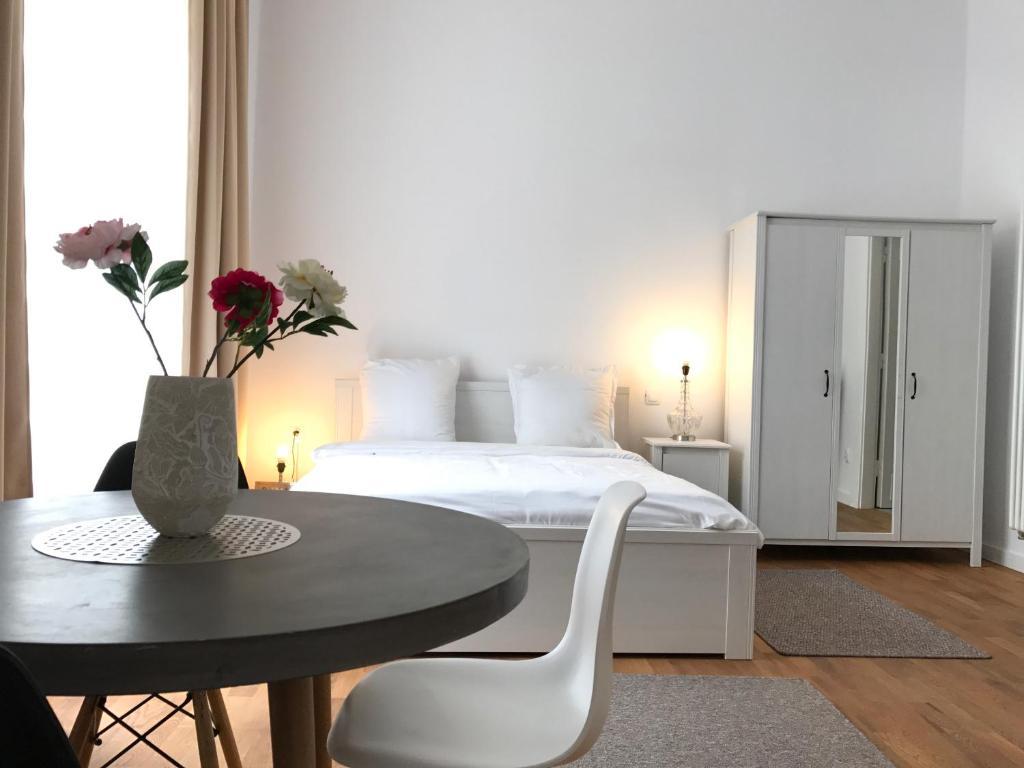 Un pat sau paturi într-o cameră la Perfect Stay 2