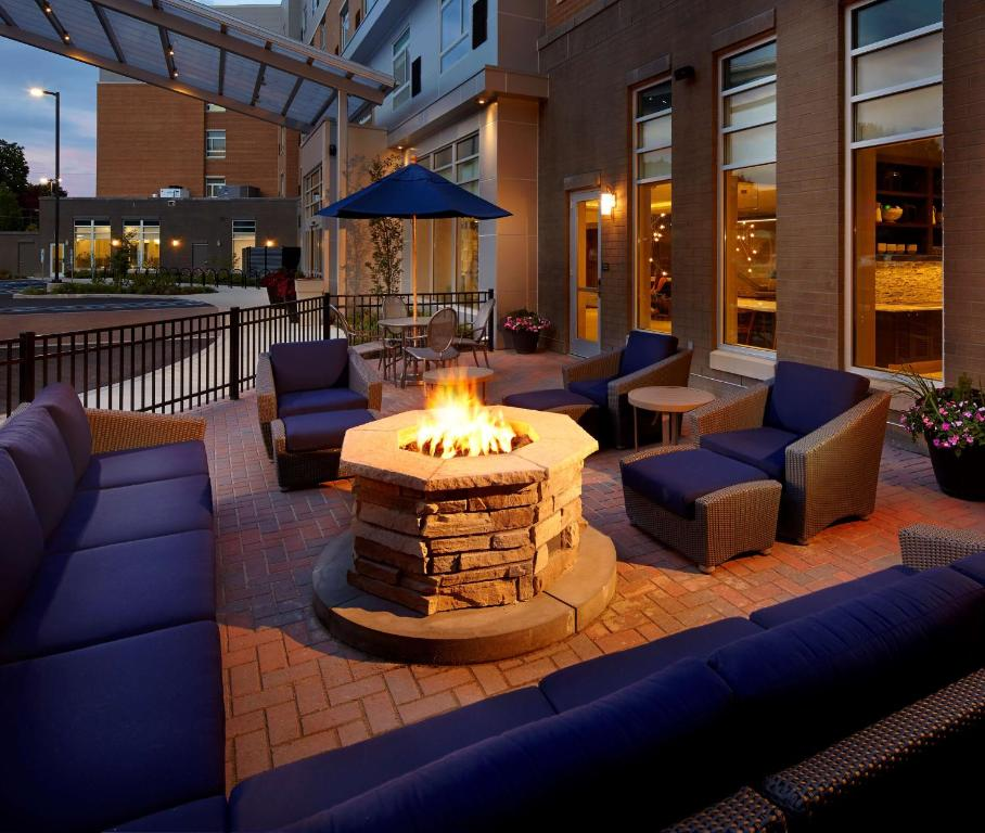 Hotel Hyatt House Pittsburgh Bloomfield S, PA - Booking com