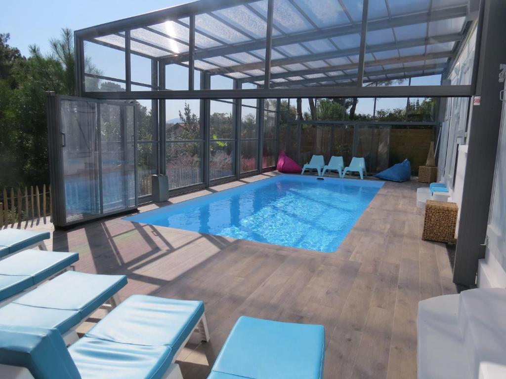 Plan Ou Photo Pool House Pour Piscine villa 12 pers piscine chauffée couverte ou non, 2km mer
